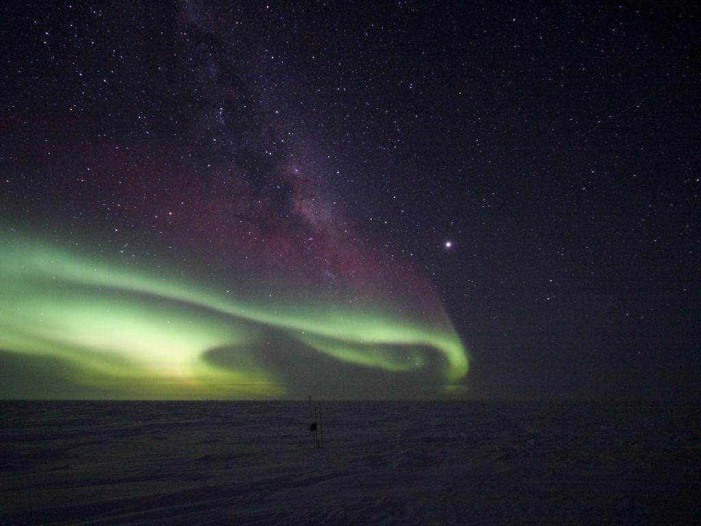 небо над антарктидой ночью фото